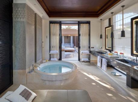 14. Villas bathroom