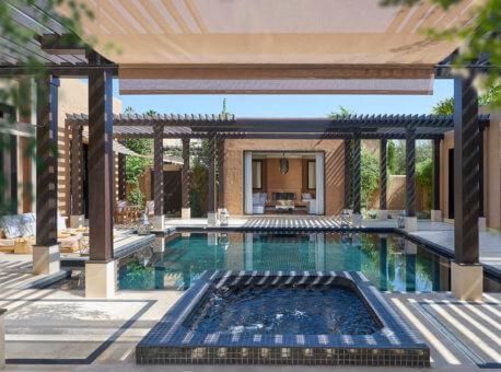 18. Oriental Pool Villa jacuzzi