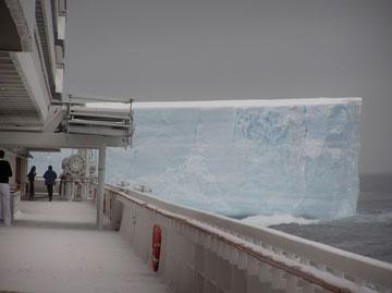 Crystal_Symphony_Antarctica_Iceberg-1
