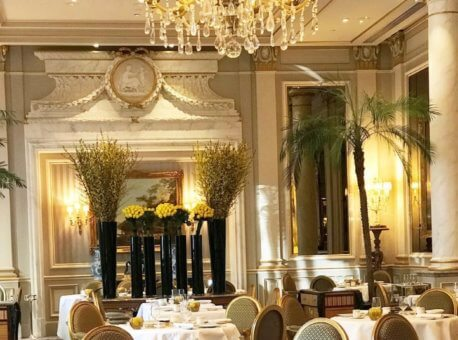 Dining room at George's Sanq Four Seasons