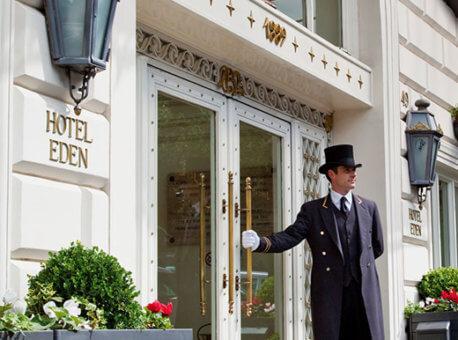 Hotel-Eden-Rome-entrance_