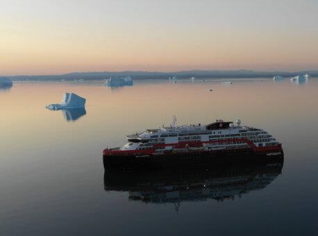MS-Roald-Amundsen-Gronland-HGR-138250- Foto_John_Emil_Richardsen