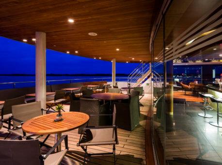 Scenic Spirit Outdoor Lounge