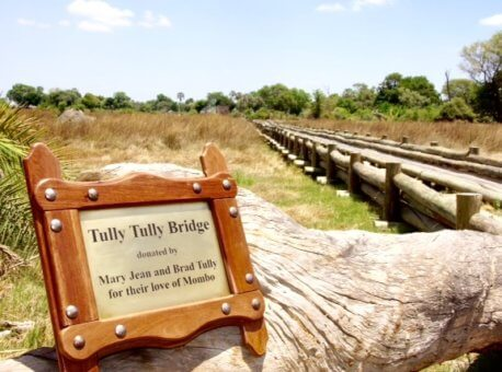 Tully bridge sign