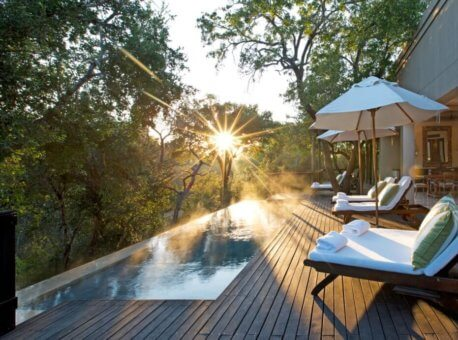 deck-bedroom-africa-house-accommodation-safari-lodge-luxury-kruger-park-1200x691