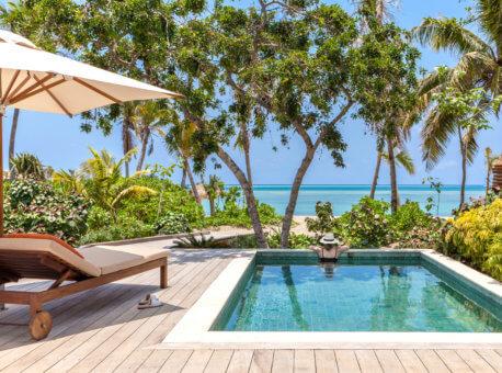 Ocean_Views_from_the_Pool_in_Beachfront_Pool_Villa_[7386-ORIGINAL]