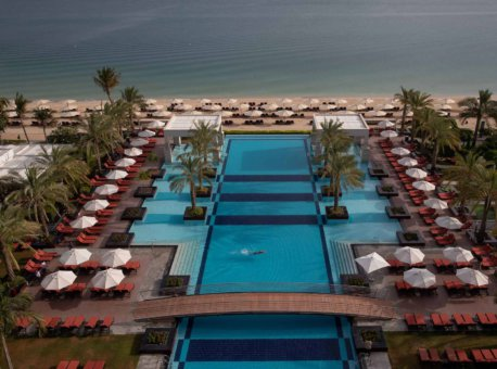 jumeirah-zabeel-saray-exterior-pool-and-beach-10_landscape__portrait